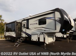 New 2018  Keystone Avalanche 395BH by Keystone from RV Outlet USA in North Myrtle Beach, SC