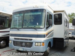 Used 2005  Fleetwood Bounder 33R by Fleetwood from Parkway RV Center in Ringgold, GA