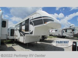 Used 2008  Glendale RV Titanium 34E39RE by Glendale RV from Parkway RV Center in Ringgold, GA