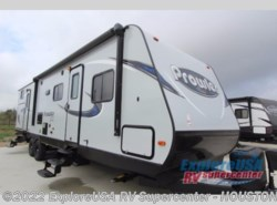 New 2017  Heartland RV Prowler Lynx 32 LX by Heartland RV from ExploreUSA RV Supercenter - ALVIN, TX in Houston, TX