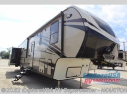 New 2018  CrossRoads Cruiser CR3821BH by CrossRoads from ExploreUSA RV Supercenter - ALVIN, TX in Houston, TX