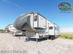 Used 2015  Coachmen Chaparral 345BHS