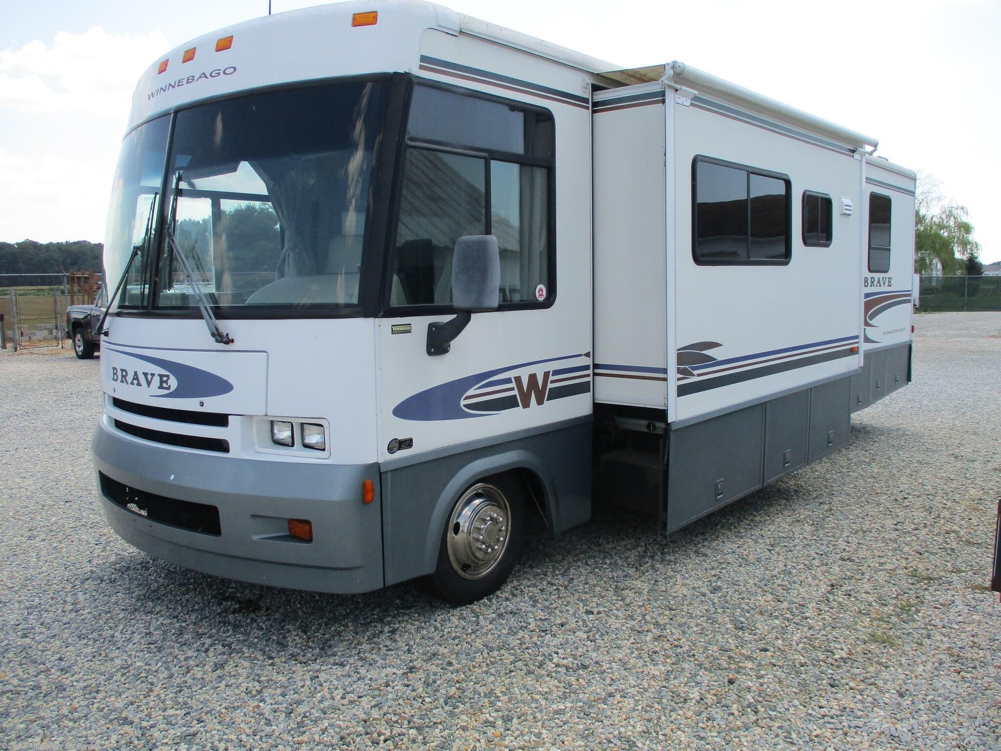 2001 Winnebago RV Brave 30-W for Sale in Clayton, DE 19938 | 333762