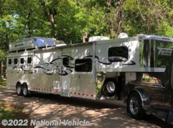 2011 Miscellaneous  2011 Twister Short Go 34' 4 Horse Trailer With Liv