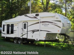 Used 2014  Forest River Rockwood Signature Ultra Lite 8282WS