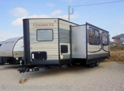 Used 2016  Forest River Cherokee 274VFK by Forest River from Bourbon RV Center in Bourbon, MO