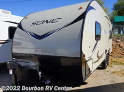 Used 2017  Venture RV Sonic SN210VRD by Venture RV from Bourbon RV Center in Bourbon, MO