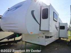 Used 2009  Coachmen Chaparral 331RLTS by Coachmen from Bourbon RV Center in Bourbon, MO