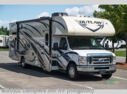 Used 2016  Thor Motor Coach Outlaw 29H by Thor Motor Coach from Campers Inn RV in Kingston, NH