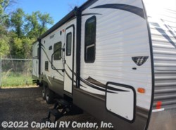 Used 2015  Keystone Hideout 31RBDS by Keystone from Capital RV Center, Inc. in Minot, ND