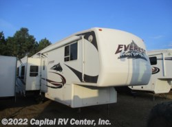 Used 2006  Keystone Everest 323 RL by Keystone from Capital RV Center, Inc. in Bismarck, ND