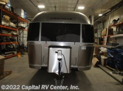 Used 2018 Airstream International Signature 27FB available in Bismarck, North Dakota