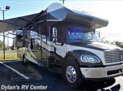 Used 2015  Jayco Seneca 37RB by Jayco from Dylans RV Center in Sewell, NJ
