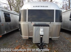 New 2017  Airstream Flying Cloud 26U Twin by Airstream from Chilhowee RV Center in Louisville, TN