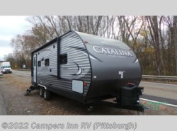 Used 2017  Coachmen Catalina Legacy 223RBS by Coachmen from Campers Inn RV in Ellwood City, PA
