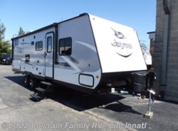 New 2017  Jayco Jay Feather 25BH by Jayco from Colerain RV of Cinncinati in Cincinnati, OH