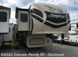 Used 2015  Jayco Pinnacle 38FLSA by Jayco from Colerain RV of Cinncinati in Cincinnati, OH