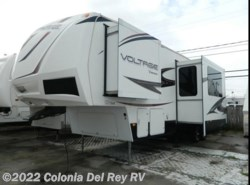 Used 2013  Dutchmen Voltage 3105 by Dutchmen from Colonia Del Rey RV in Corpus Christi, TX