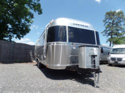 New 2018  Airstream International Signature 25FBT by Airstream from Colonial Airstream & RV in Lakewood, NJ