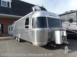 New 2018  Airstream International Signature 27FBQ Queen by Airstream from Colonial Airstream & RV in Lakewood, NJ