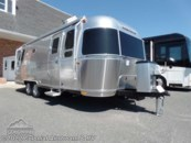2020 Airstream Flying Cloud 26RBQ Queen